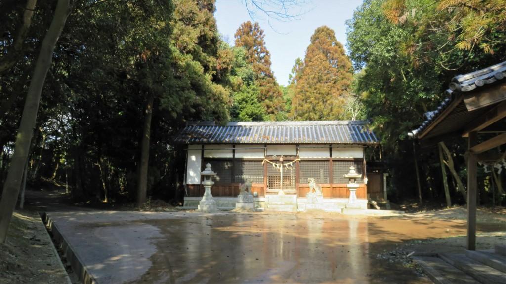 1・讃岐神社拝殿
