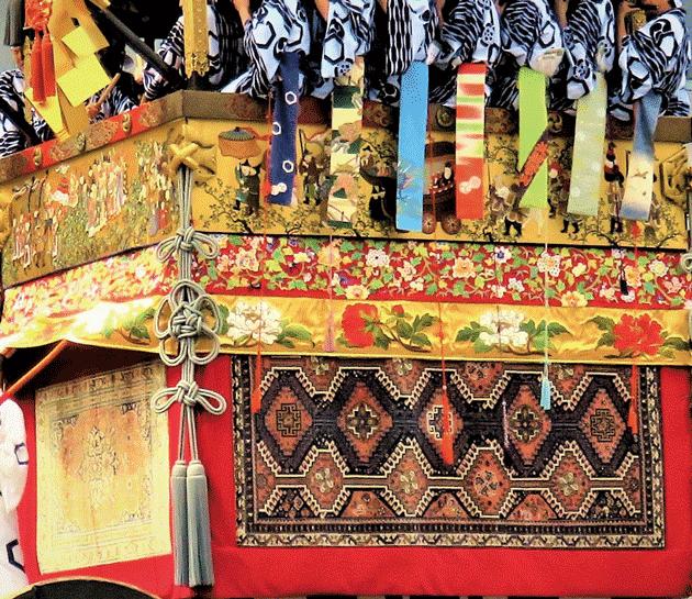 北観音山(曳山)の胴懸・ムガル絨毯