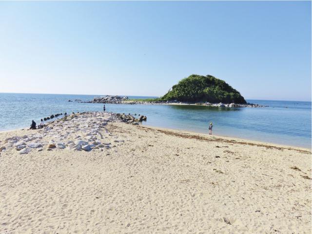 s_8・志賀海神社の沖津宮が鎮座する沖津島と御手洗の浜