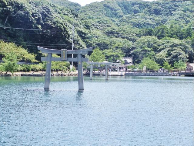 s_9・満潮時の和多都美神社の海中の鳥居