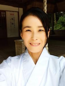 國崎八幡神社権禰宜・辻加奈子